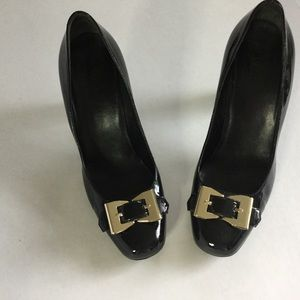 GUCCI🌼Black Patent Leather Heels Gold Bows Size 9
